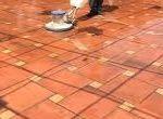 Dịch vụ vệ sinh làm sạch sàn gạch đỏ